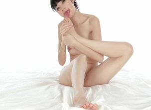 Asian toes
