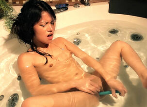 Asian pussy squirt