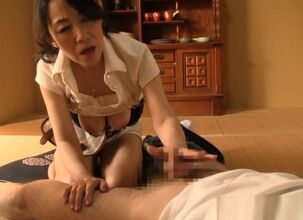 Asian chick blowjob